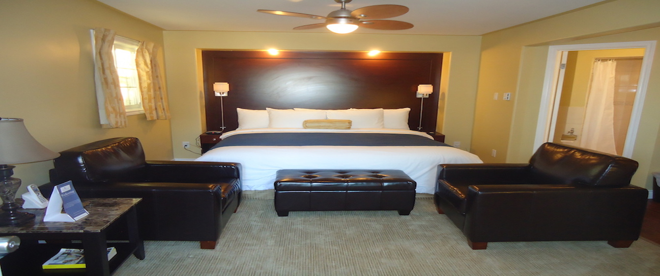 Waterview-King-Suite-Room-Category